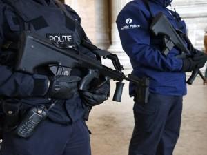 Blitz della polizia belga, 6 arresti