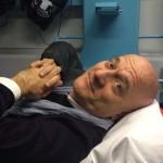 Gossip – Incidente in moto per Claudio Bisio, la gamba ingessata è subito social