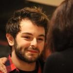 Sorridente, Lorenzo Fragola si è prestato a foto e autografi con i fan