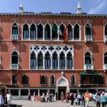 Venezia, turista si suicida gettandosi dalla terrazza dell'hotel Danieli
