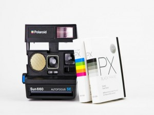 """Nella foto, la nuova Polaroid """"Impossible"""""""