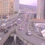 Sopraelevata chiusa alle moto e ai furgoni per il vento forte a Genova