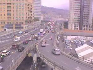 Sopraelevata - Chiusa la rampa di via Cantore, traffico in tilt