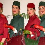Alitalia – Da oggi nuove divise con i cappellini ispirati alle fasce delle Cinque Terre