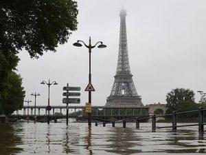 Parigi, la Senna scende di livello
