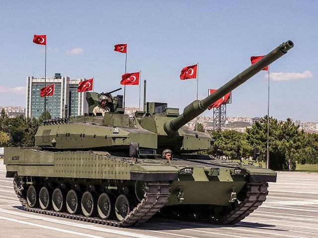 Colpo di Stato in Turchia, carri armati per le strade
