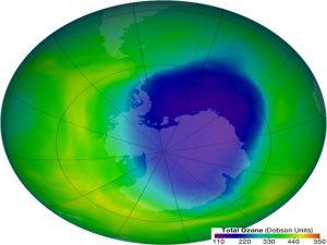 Ambiente, il buco dell'ozono si sta riducendo