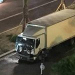 Camion sulla folla e spari a Nizza, decine di morti – VIDEO