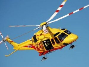 Sestri Levante, donna precipita dalla finestra e viene soccorsa dall'elicottero: gravissima