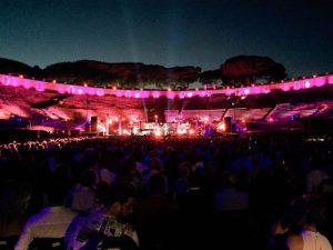 Elton John a Pompei