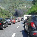 Tir in fiamme sulla A1, chiuso il tratto autostradale tra Firenze Impruneta e Incisa