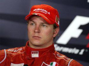 Kimi Raikkonen rinnova con la Ferrari