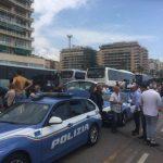 Genova, controlli della Polizia alla Foce ritardano partenza dei pullman per Cracovia