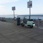 """Voltri – In scooter sulla passeggiata ormai """"terra di nessuno"""""""