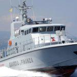 Guardia di Finanza soccorre gozzo a largo di Portofino