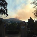 Incendio boschivo alle spalle di Sant'Ilario