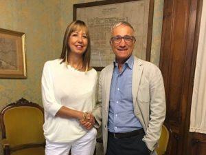 Doris Maggenta insieme al sindaco di Chiavari Roberto Levaggi