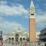 Turisti olandesi aggrediscono cameriere in piazza San Marco