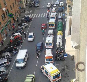 corteo di ambulanze a Marassi