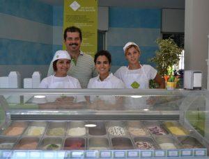 apre la gelateria E' Buono