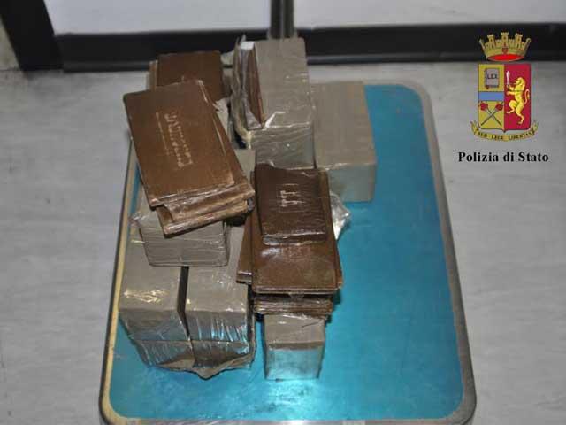 Droga in casa, due arresti a Reggio Calabria