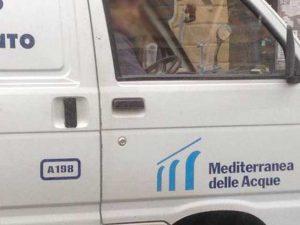 Genova, danno alla rete idrica durante i lavori stradali. Bolzaneto senza acqua