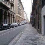 Sampierdarena, bus tampona auto: due feriti al Gaslini