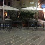 """Trattoria dell'Acciughetta """"ritrova"""" i tavoli rubati"""