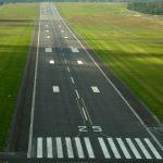 Guasto al carrello, aereo finisce fuori pista a Ciampino