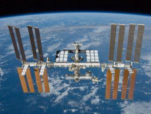 Spazio - Soyuz aggancia stazione ISS, tre nuovi astronauti a bordo