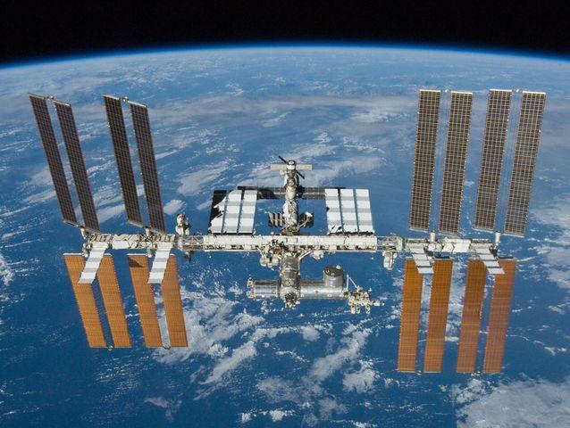 Spazio - Rientrati dopo 115 giorni tre astronauti della ISS