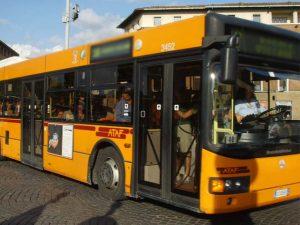 22enne aggredito sul bus a Firenze