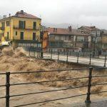 """Garessio, il Tanaro è esondato. Il sindaco: """"Stessa situazione dell'alluvione del '94"""""""