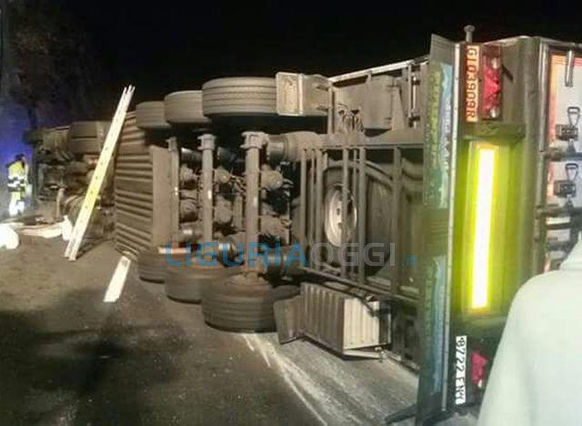 Incidente sull'Autostrada A10 tra Arenzano e Voltri, riaperta la carreggiata