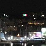 """Genova – Risolto il """"mistero"""" del palazzo che si colora della bandiera italiana: è Liapull"""
