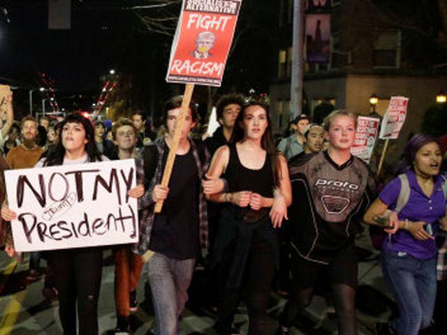 Los Angeles. Ancora proteste anti Trump centinaia di arresti