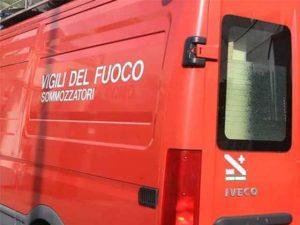 Roma, donna finisce nel Tevere: salvata dai Vigili del Fuoco
