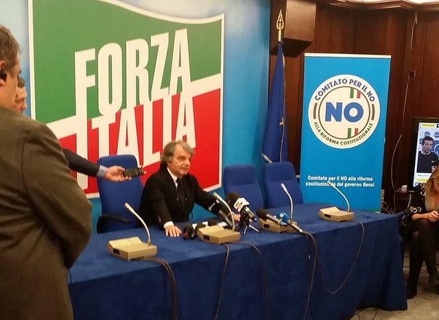 Referendum - Brunetta: Renzi ha bombardato di messaggi gli italiani