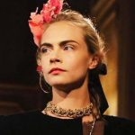 Cara Delevingne torna in passerella per Chanel