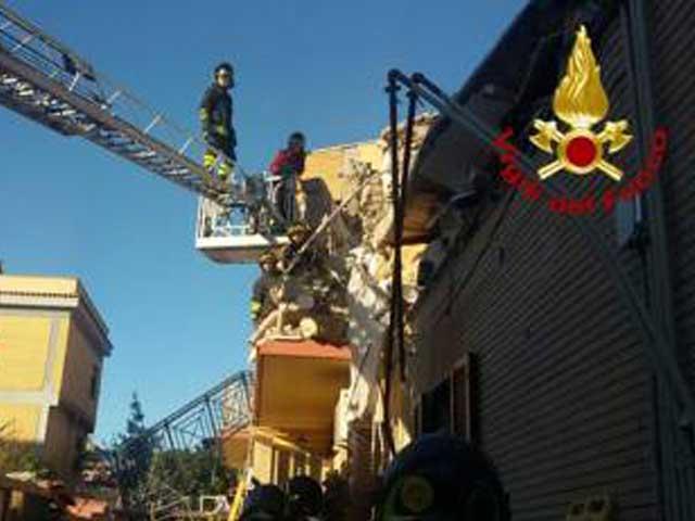 Esplosione ad Acilia ultime notizie: crolla una palazzina, si temono vittime