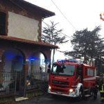 Busalla – Incendio in una villetta di tre piani