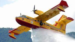 Incendi in Liguria - Case evacuate a Vado e Bergeggi, ora il rogo è sotto controllo
