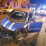 Genova – Incidente in via 5 Maggio, auto contro le vetture in sosta
