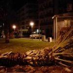 Andora, forte vento abbatte una palma in piazza Cuore Immacolato di Maria