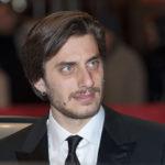Principe Libero, Luca Marinelli interpreta Fabrizio De André