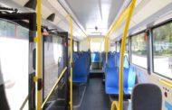 Corso Sardegna, bus frena di colpo: 7 feriti
