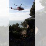 62enne cade sul sentiero della Palmaria: trasferito al San Martino in elicottero