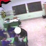 Oppido Mamertina, schiaffi e insulti agli alunni: sospese due maestre
