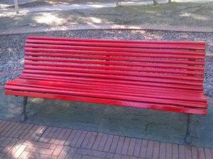 A Levanto arriva la panchina rossa contro il femminicidio