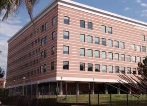 La Spezia - Madre di tre figli colpita da sfratto, minaccia di darsi fuoco in tribunale